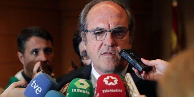 El PSOE registra en la Asamblea la moción de censura contra Cristina
