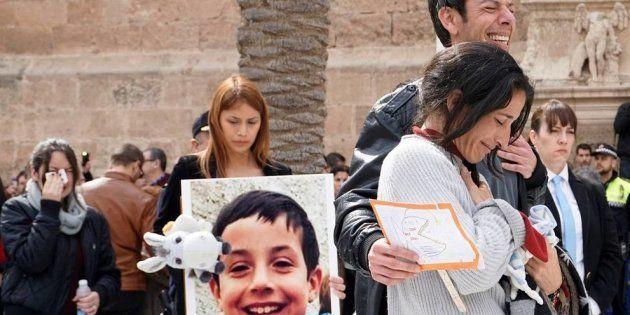 Los padres del niño Gabriel muestran su