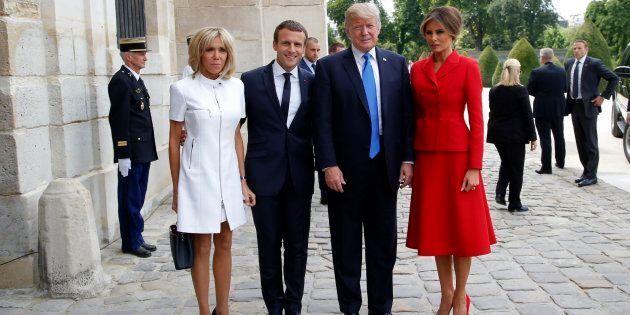 El matrimonio Macron posa junto a los Trump en