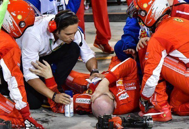 Raikkonen atropella a un mecánico de su equipo y