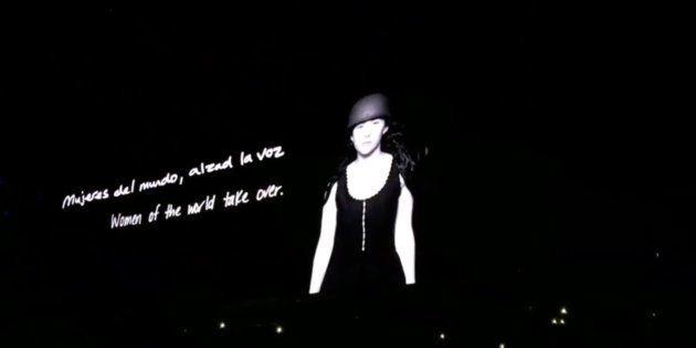 El mensaje feminista de la actuación de Amaia en el concierto de U2 en