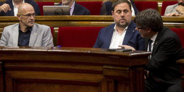 Carles Puigdemont reúne a sus consellers para comprobar su grado de implicación con el