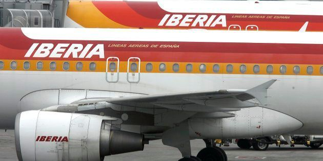 Vista de varios aviones de Iberia en el aeropuerto Adolfo