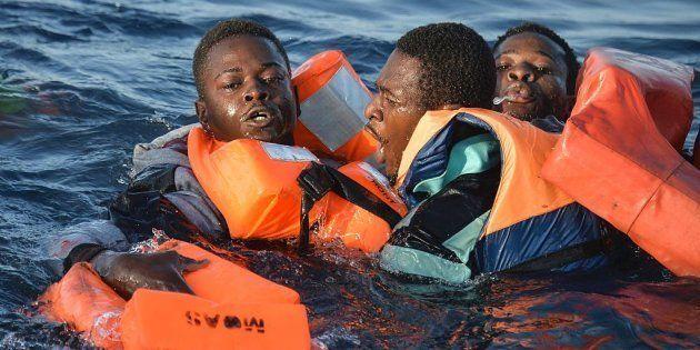 Un grupo de ultraderecha fleta un barco para