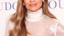 Jennifer Lopez se cae en pleno concierto (y se levanta como una