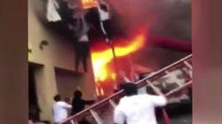 El impactante vídeo de un grupo de chicas forzadas a saltar de un balcón para escapar de un