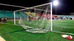 Una avalancha provoca nueve muertos en un partido de fútbol en