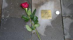 Pamplona rememora el Holocausto español con placas en las