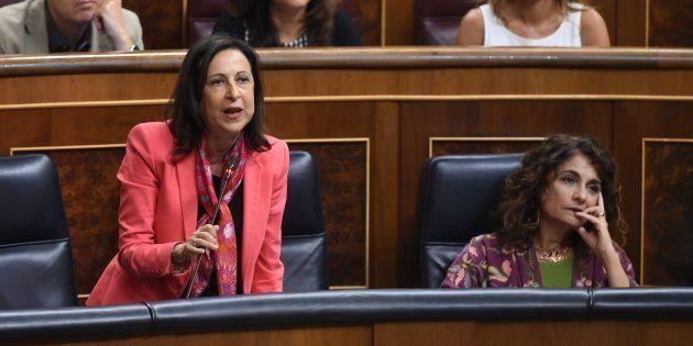 La ministra de Defensa, Margarita Robles, interviene en el Congreso junto a la ministra de Hacienda,...