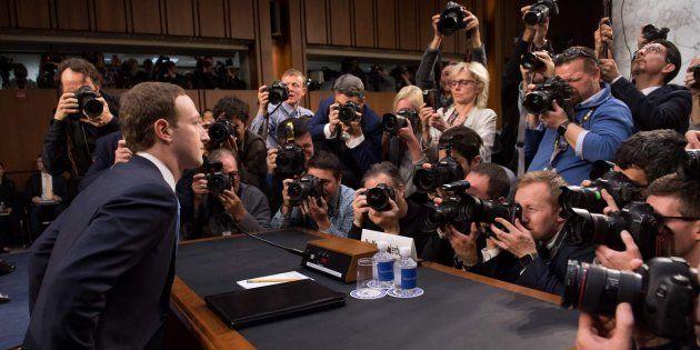 Mark Zuckerberg, objeto de mofas por este detalle del asiento de su