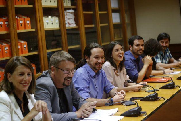 Sánchez e Iglesias se reúnen para concretar una colaboración