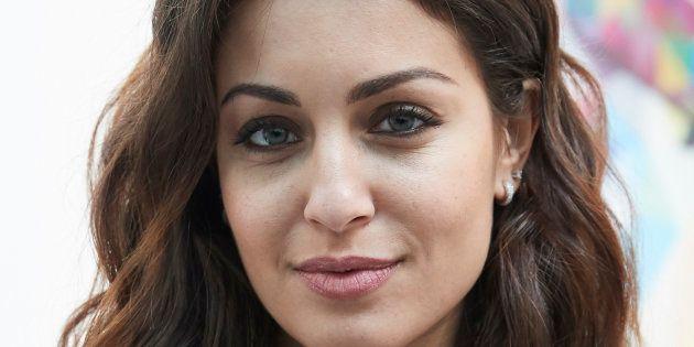 Hiba Abouk se desnuda para felicitar a