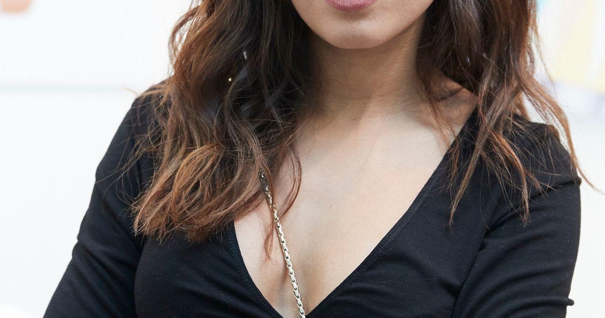Hiba Abouk Se Desnuda Para Felicitar A Su Mejor Confidente El