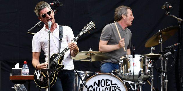 Noel Gallagher telonea a U2 con una camiseta del Barça y despierta la