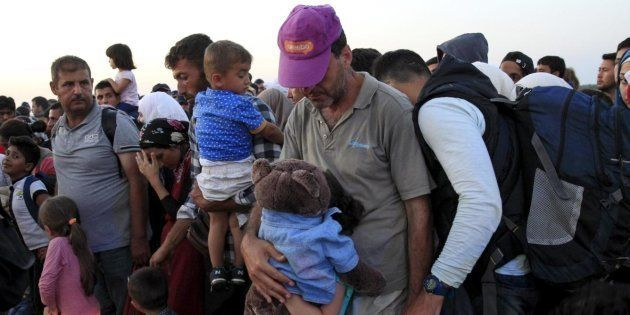 Llegan a España 29 refugiados procedentes de
