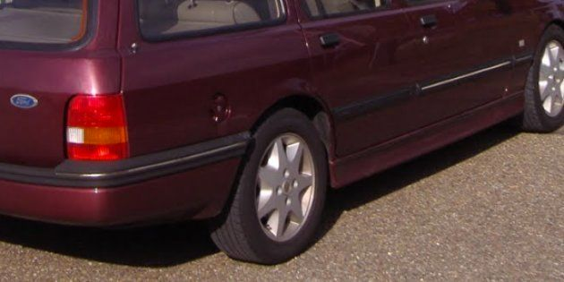 Un hombre lleva 14 años esperando a que le arreglen su Ford Sierra en un taller de