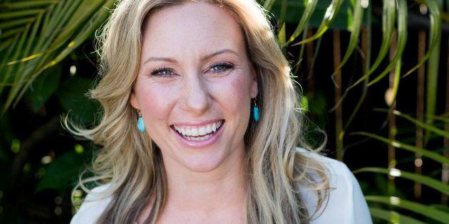 La muerte absurda de Justine Damond: llama a Emergencias para denunciar una violación y es tiroteada...