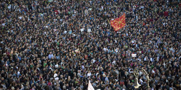 Miles de personas se manifiestan en Pamplona
