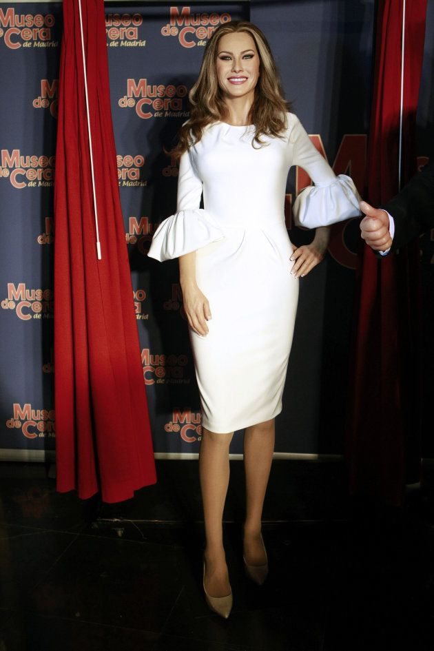La figura de la primera dama de los Estados Unidos, Melania Trump, tras ser presentada hoy en el Museo...