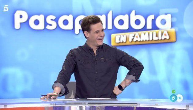 Almudena Cid le da una romántica sorpresa a Christian Gálvez en el estreno de 'Pasapalabra en