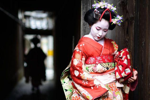 Maiko, muchacha japonesa aprendiz de geishas, en Kyoto,