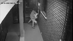 Brutal agresión de un ladrón a una mujer en