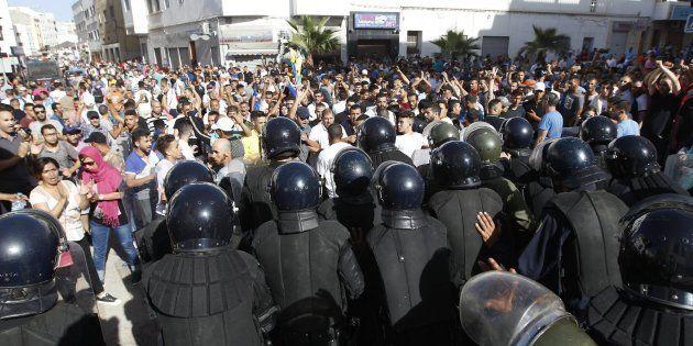 Protesta en solidaridad con la región del Rif en Al Hoceima, al norte de
