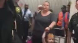 Una aerolínea expulsa a una familia por las patadas de una niña en el asiento
