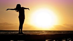 Cómo superar los 'debería' y convertirse en una persona