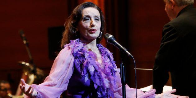 Luz Casal, en un concierto benéfico en el Teatro Real de Madrid, el 5 de enero de