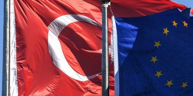 El Parlamento Europeo cancela las ayudas de adhesión a Turquía por no respetar los valores