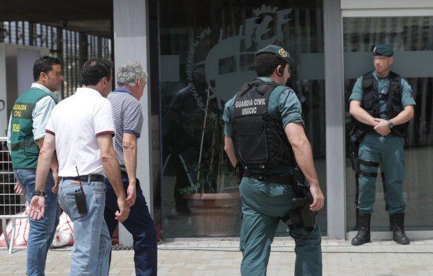 GRA270. MADRID, 18/07/2017.- Angel Mar�a Villar (3i), presidente de la RFEF, a su llegada a las 15,03...