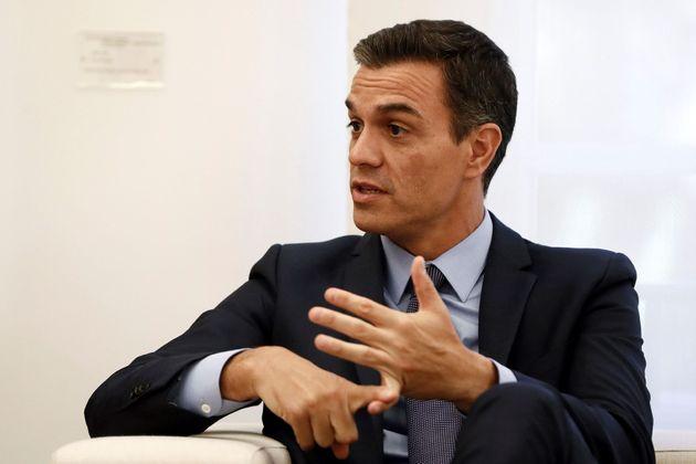 GRAF8511. MADRID, 02/10/2018.- El presidente del Gobierno, Pedro S�nchez, durante la reuni�n que...