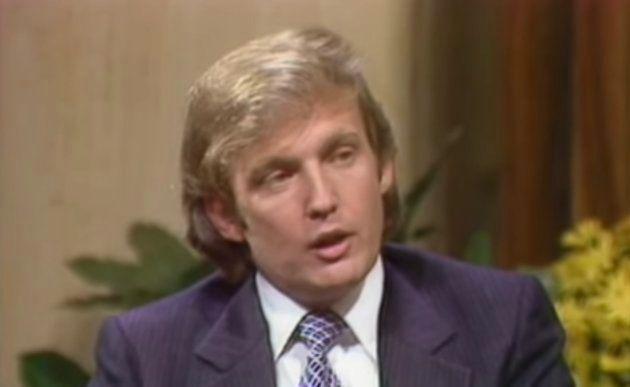Un muy joven Donald Trump concede una entrevista en la década de los