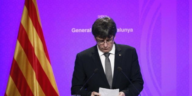 Puigdemont responde con seis tuits a las advertencias del