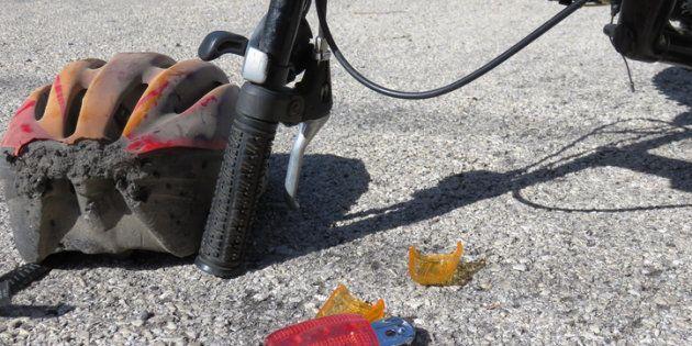 Muere un ciclista al chocar con una moto en
