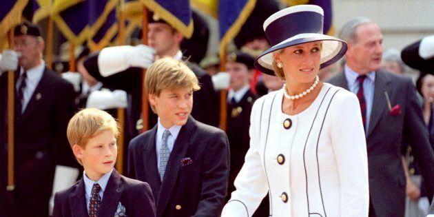 Diana de Gales, junto con sus hijos Guillermo y