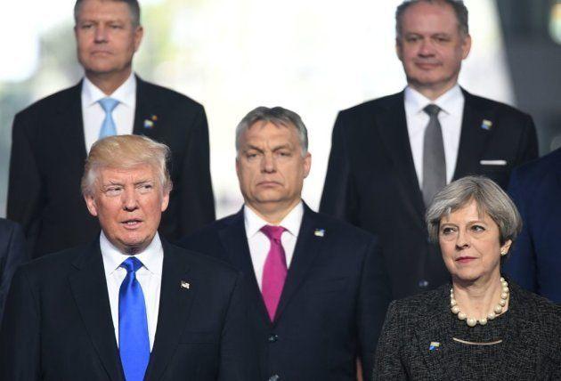 Trump, May y Orban posan en la reunión de los miembros de la OTAN el pasado 25 de