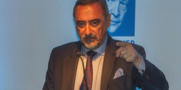 La hilarante reacción de Carlos Herrera en directo al enterarse de que Puigdemont puede ganar el Nobel...