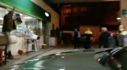 Un hombre se enfrenta a los Mossos con una motosierra y un