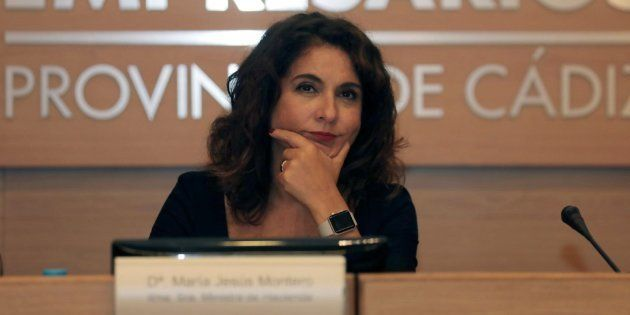Montero asegura que el Gobierno seguirá trabajando