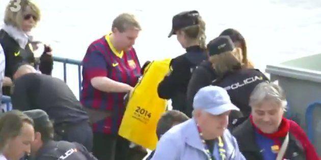 La Policía requisa camisetas amarillas con lemas independentistas en la final de la Copa del