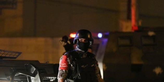 Un policía jordano, anoche en las inmediaciones de la embajada de Israel en