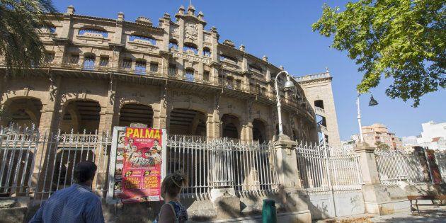 Fachada de la Plaza de toros de Palma de Mallorca, conocida popularmente como Coliseo
