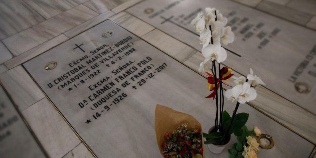¿Qué hacer con los restos de Franco? En Twitter tienen una propuesta que muchos habrán pensado alguna