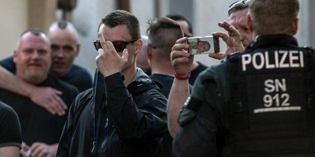 Detenido por hacer el saludo nazi en la celebración del cumpleaños de Hitler en un festival rock en