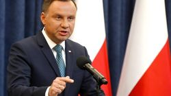 El presidente polaco aprueba una ley ultraconservadora que recorta la independencia
