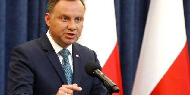 El presidente polaco Andrzej Duda, anunciando su nueva