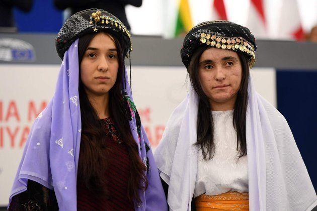 Nadia Murad y Lamia Haji Bashar, al recoger el Premio Sajarov en el Parlamento