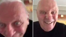 El extraño vídeo de Anthony Hopkins que esconde mucho